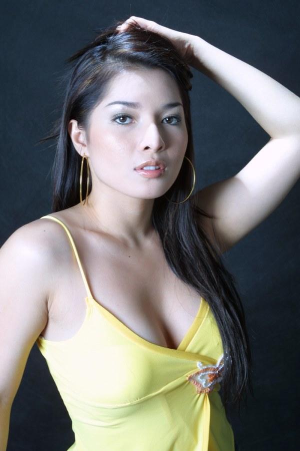 Jessyka swan mature nylon